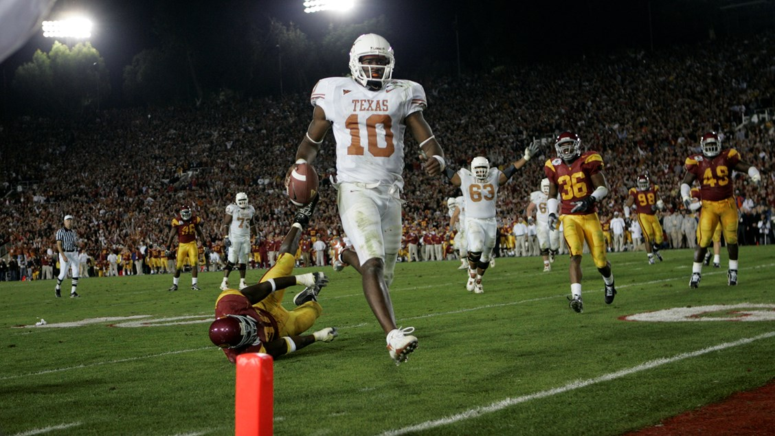 Vince Young to be inducted into Rose Bowl Hall of Fame - University of  Texas Athletics